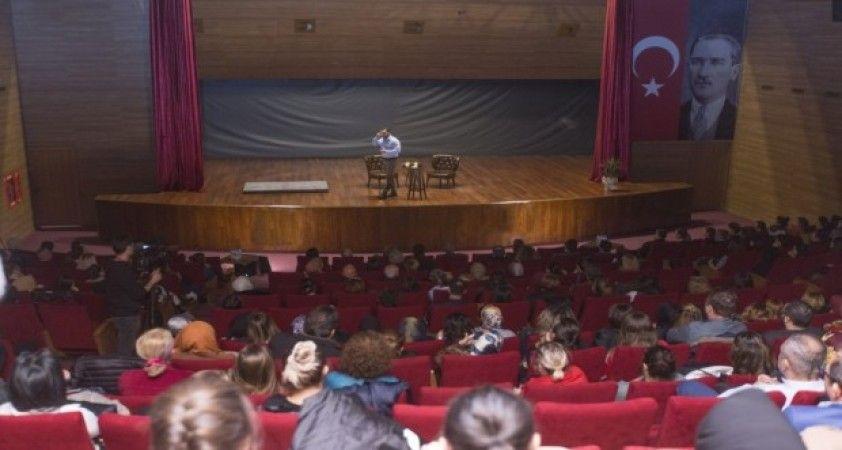 Korhan Özduru 'Bilinç ötesi' temalı gösterisi gerçekleştirdi