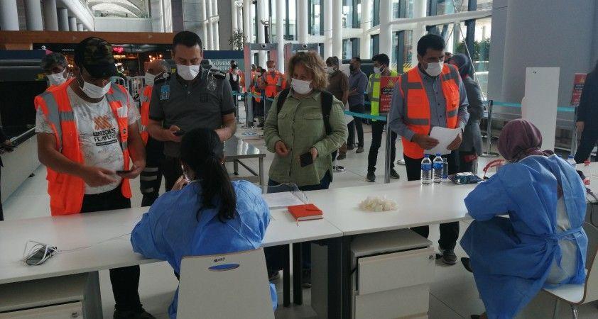 İstanbul Havalimanı aşı merkezinde havalimanı çalışanları aşılanmaya başladı