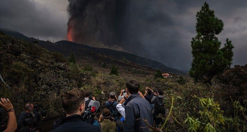 La Palma Adası'nda yanardağdaki patlamaların şiddeti arttı, uçuşlar durduruldu