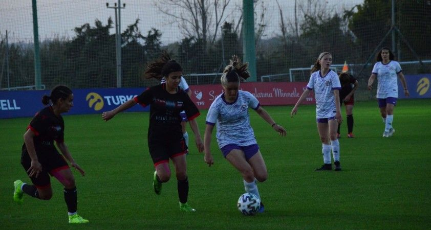 Kadınlar Futbol Ligi D Grubu: Karadeniz Ereğli Belediyespor: 0 Kayseri Gençlerbirliği: 1