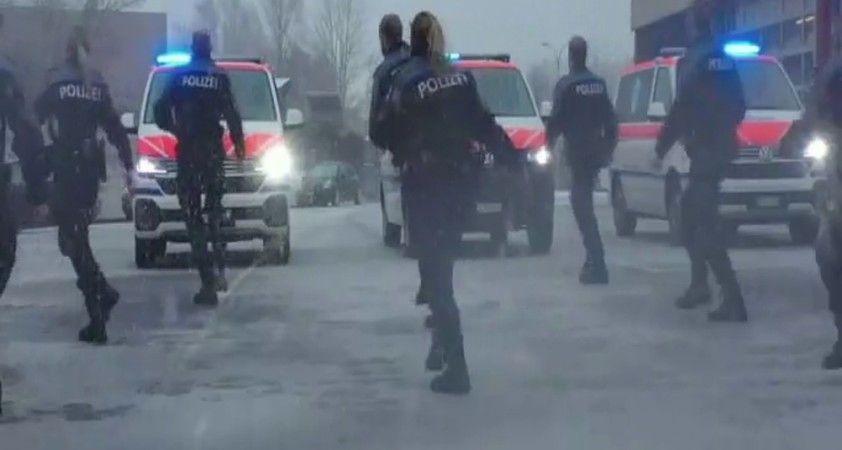 İsviçreli polislerin