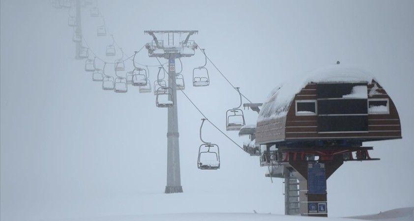 'Akdeniz'in kayak merkezi' bir metreyi aşan kar kalınlığıyla hedef yükseltti