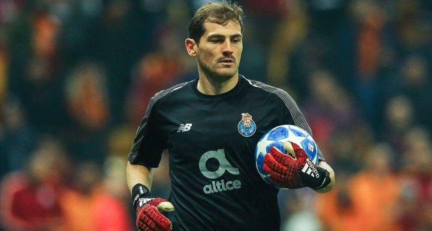 İspanyol kaleci Casillas futbolu bıraktı