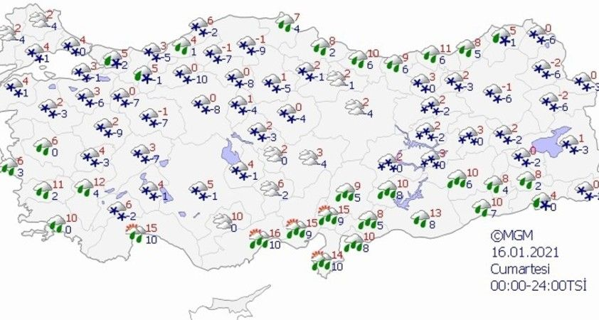 İstanbul'a mevsimin ilk karı düştü