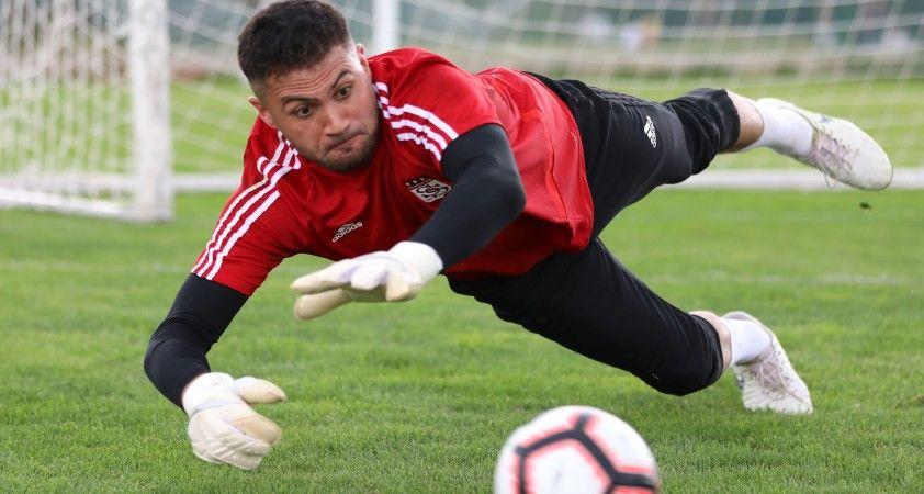 Kaleci Ali Şaşal Vural, Sivasspor ile yeniden anlaştı