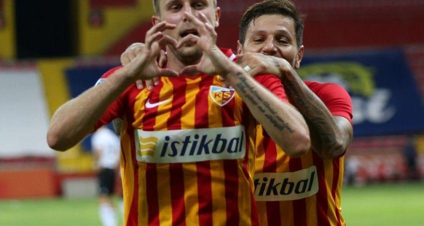 Artem Kravets ligde 6. golünü attı