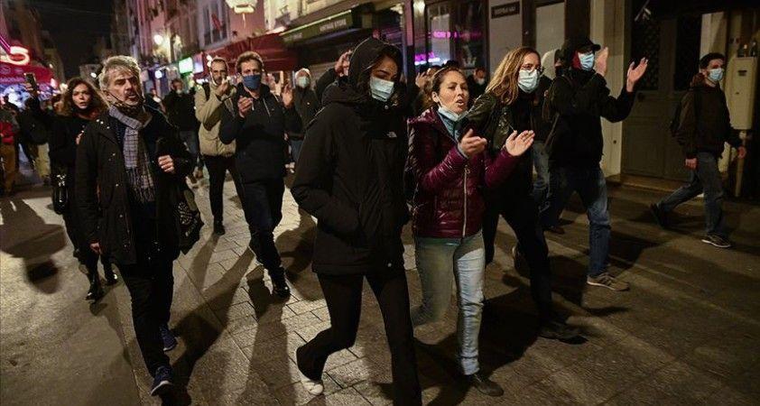 Fransa'da son 24 saatte 13 bin 243 Kovid-19 vakası görüldü