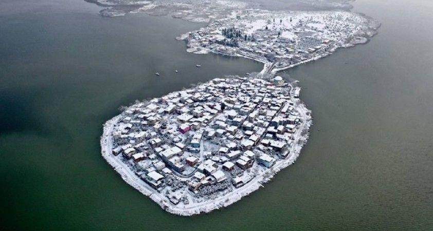 2600 yıllık geçmişi var...Küçük Venedik karlar arasında böyle görüntülendi