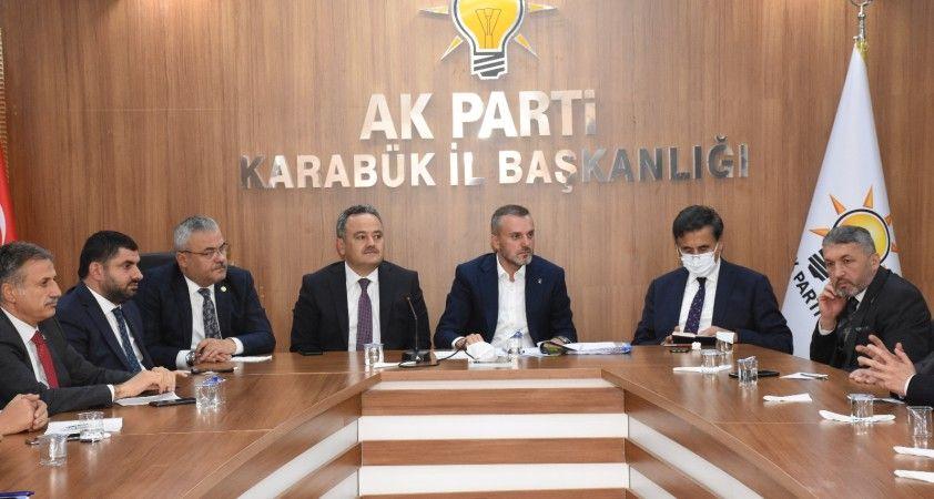 AK Partili Kandemir, İYİ Parti Genel Başkanı Akşener'e yüklendi