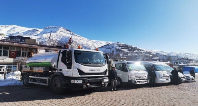 Şemdinli Belediyesi filosuna 1 yeni araç daha kattı