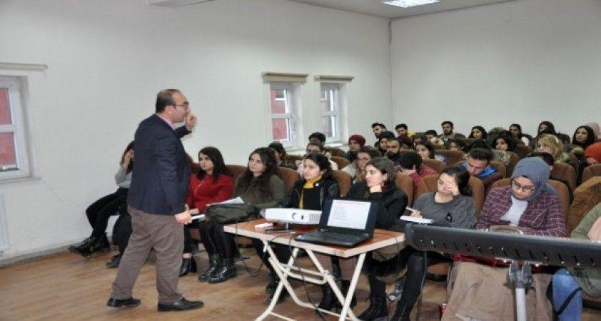 Şırnak'ta gönüllü öğretmenlerin ücretsiz KPSS kursuna yoğun ilgi