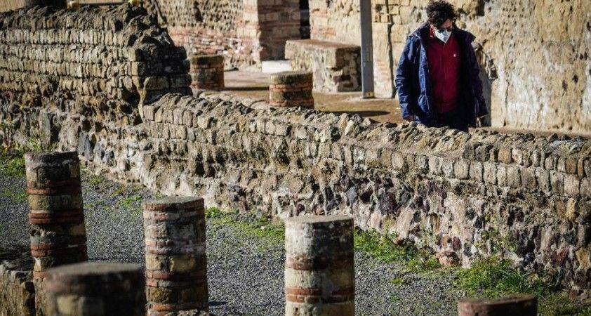 İtalya'da son 24 saatte Covid-19'a bağlı 603 ölüm