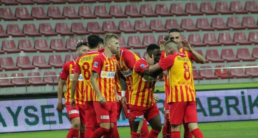 Kayserispor 7 sezon sonra Beşiktaş'ı yendi