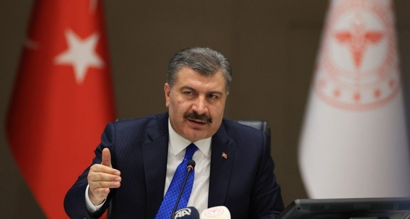 Sağlık Bakanı Koca, 65 yaş üstü vatandaşlarla ilgili yeni bir düzenlemenin yolda olduğunu duyurdu