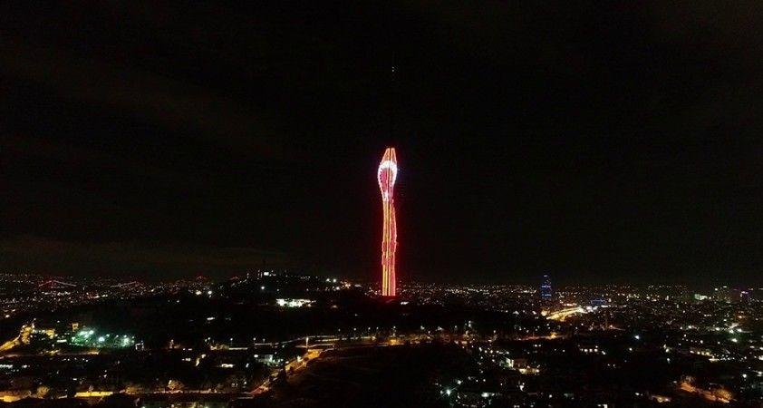 Çamlıca Kulesi'ndeki 'Cumhuriyet' temalı ışık şöleni havadan görüntülendi