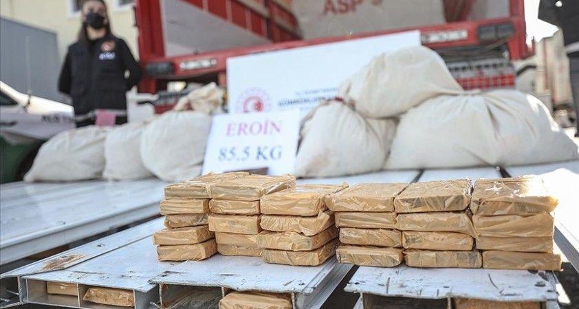 Gümrük muhafaza ekipleri 9 ayda 5,5 milyar liralık kaçak eşya ve uyuşturucu ele geçirdi