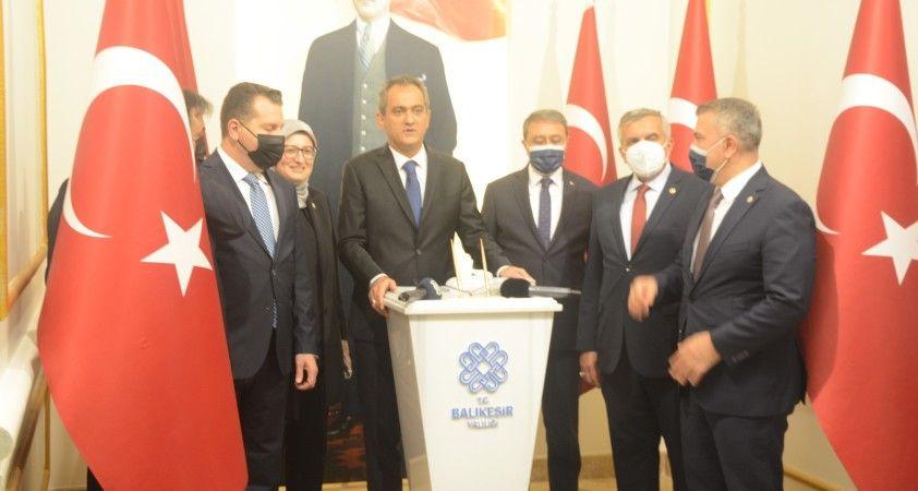 Milli Eğitim Bakanı Özer, pandeminin son durumunu değerlendirdi