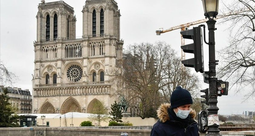 Fransa'da son 24 saatte 11 bin 221 Kovid-19 vakası görüldü