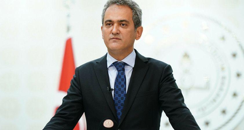 Milli Eğitim Bakanı Mahmut Özer, TBMM'de yemin etti