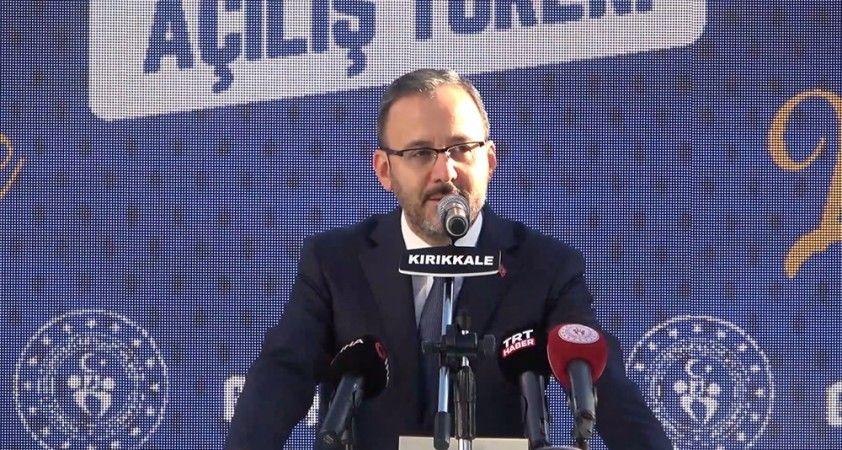 Bakan Kasapoğlu, Kırıkkale'de Gençlik Merkezi açılışına katıldı