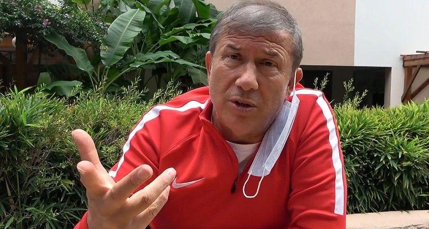 """Tanju Çolak'tan Belhanda ve Feghouli'ye sert sözler: """"Siz kimsiniz? Galatasaray'a ne verdiniz?"""