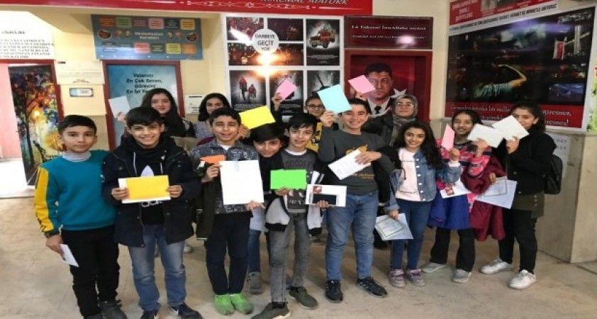 Ortaokul öğrencilerinin mektup kardeşliği
