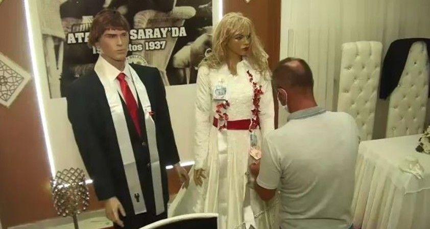 Korona virüs bunu da yaptırdı: Düğün takıları maket mankenlere