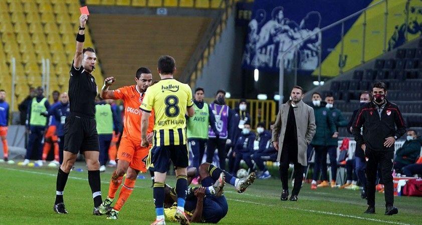 Başakşehir, Fenerbahçe maçını 9 kişi tamamladı