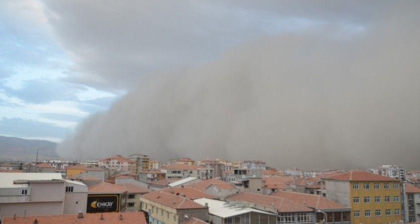 Konya'da dev toz bulutu