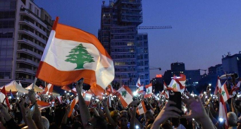 Lübnan'da protestolar eşliğinde kurulan 'kurtarma hükümetinin' vadesi doldu mu?