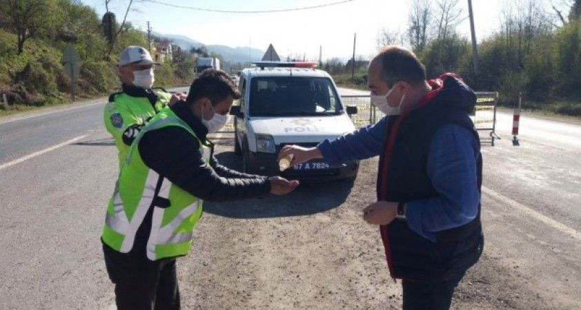 Kaymakam Altay polislerin haftasını kutladı