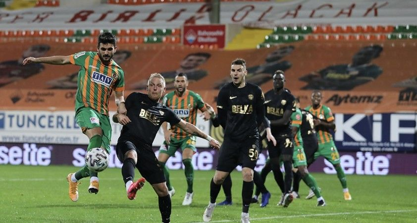 7 gollü duelloda zafer Alanyaspor'un!