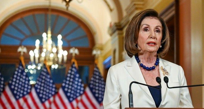 Pelosi, Trump'ın azil metnini Pazartesi Senato'ya sunacak