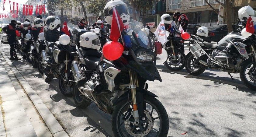 İstanbul'da polis korteji eşliğinde '23 Nisan' coşkusu