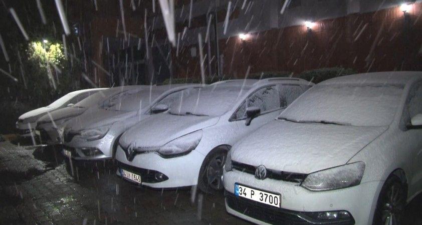 İstanbul Avrupa Yakası'nda kar yağışı etkili olmaya başladı