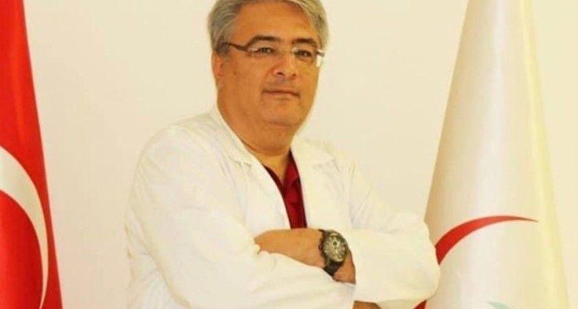 Covid-19 tedavisi tamamlandıktan sonra rahatsızlanan doktor hayatını kaybetti