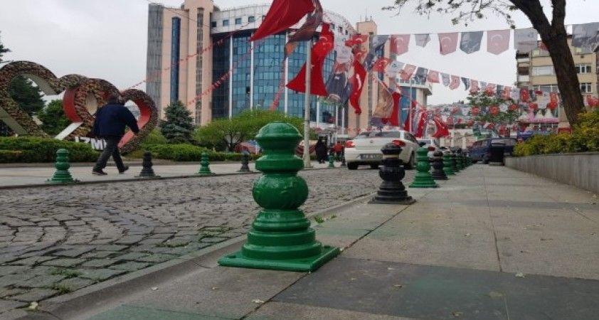 İzmit'te caddeler Kocaelispor'un renklerine büründü