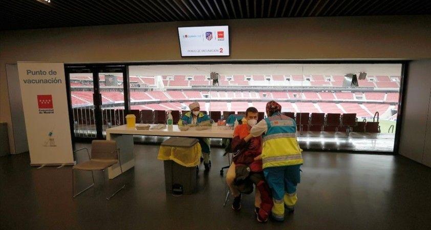 Madrid'de toplu Kovid-19 aşılamalarına stadyumda başlandı