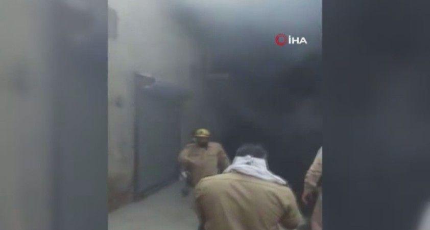 Hindistan'da ayakkabı fabrikasında yangın
