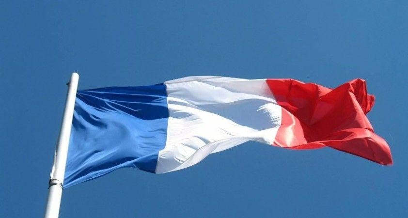 Fransa'da 7 'radikal' dini yapı kapatılıyor