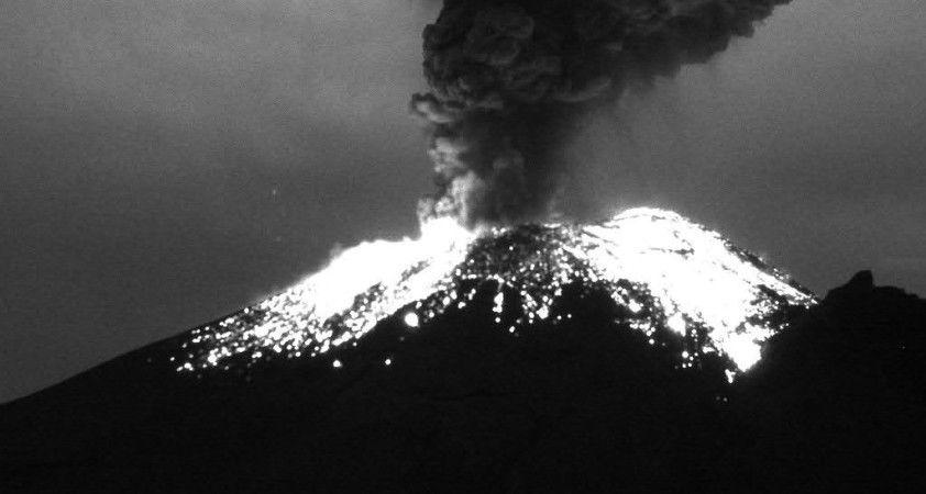 Popocatepetl Yanardağı'nda son 24 saatte 6 patlama oldu